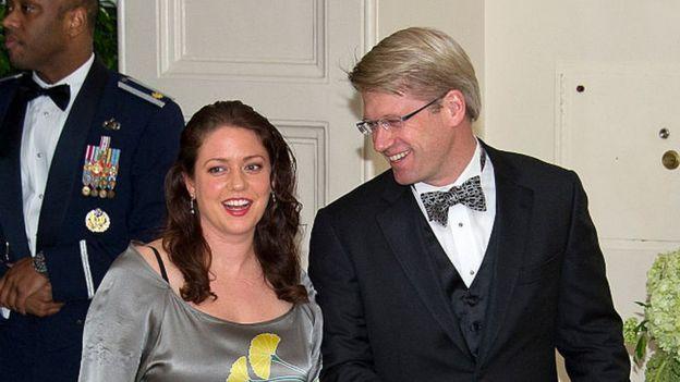 Liesel Pritzker Simmons y su esposo Ian Simmons en un evento social en 2016.