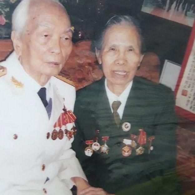 Cụ Lê Hiền Đức cùng cố Đại tướng Võ Nguyên Giáp