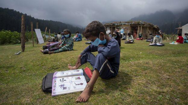 Aulas al aire libre en Cachemira