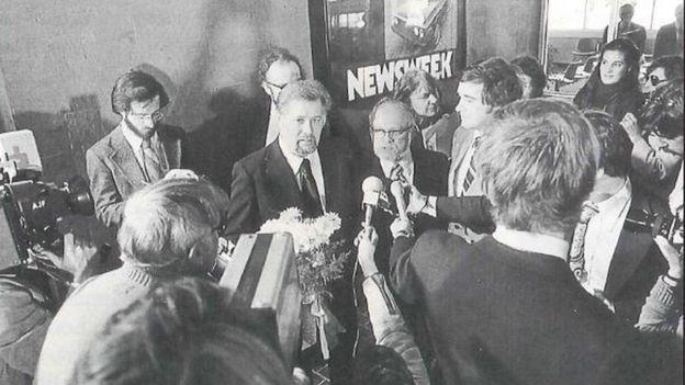После своего второго срока Винс оказался объектом американо-советской дипломатии. Его включили в обменный список по личной просьбе президента США Джимми Картера.