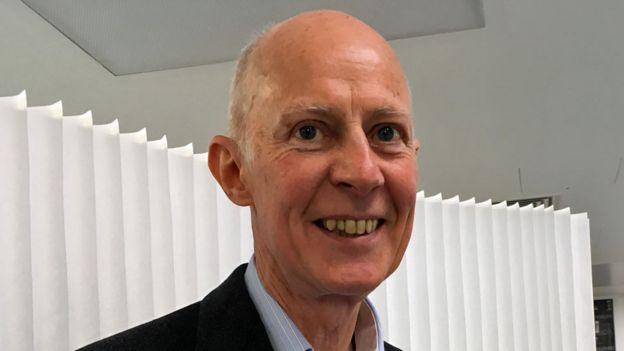 Roger Kneebone