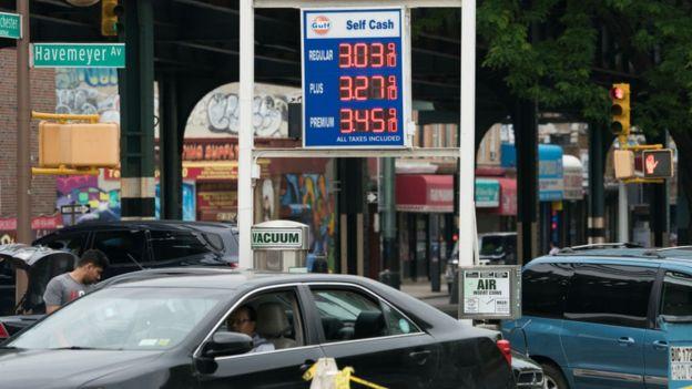 پمپ بنزین آمریکا