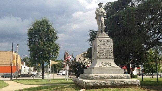Memorial to the confederate war dead in Tuskegee