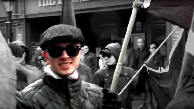 Alex Deakin em manifestação