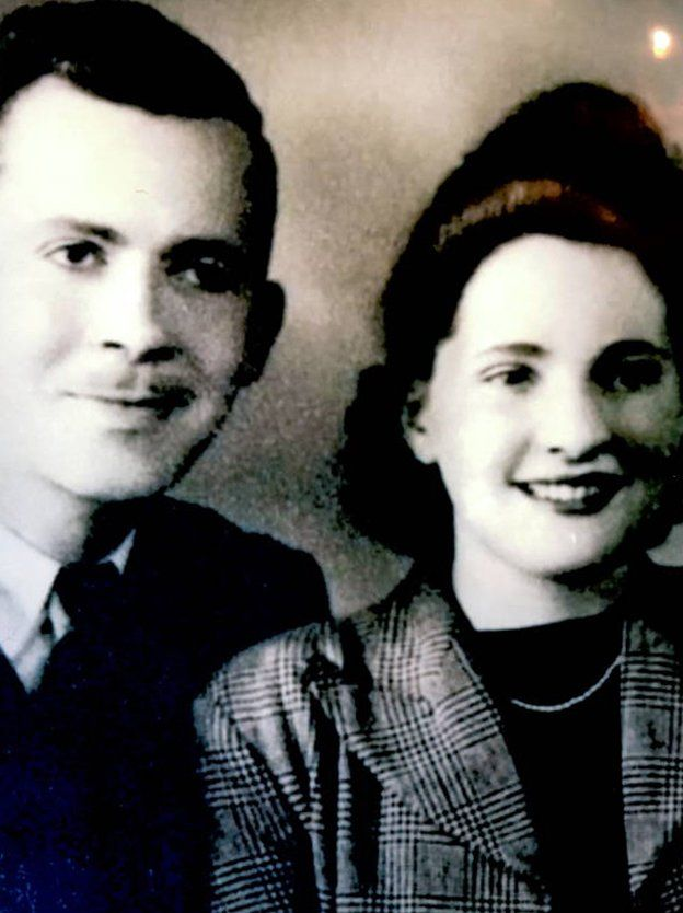 Black and white picture of Douglas and Agnes Jones