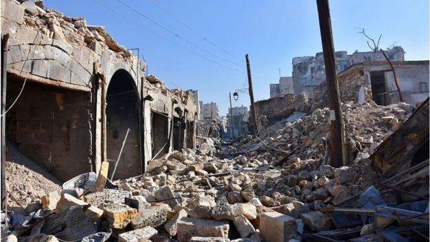 Destrucción en el barrio de Bab al Nasr, Alepo, Siria.