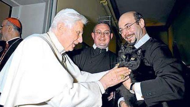 Пушкин спокойно встретил благословение Папы