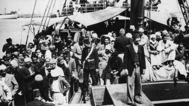 ماي 1948: فلسطينيون لاجئون من حيفا يصلون ميناء بورصعيد في مصر