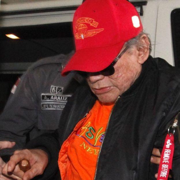 Noriega es trasladado de la cárcel El Renacer a prisión domiciliaria