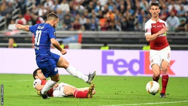 گزارش شده که رئال مادرید قصد خریدن ادن آزار است