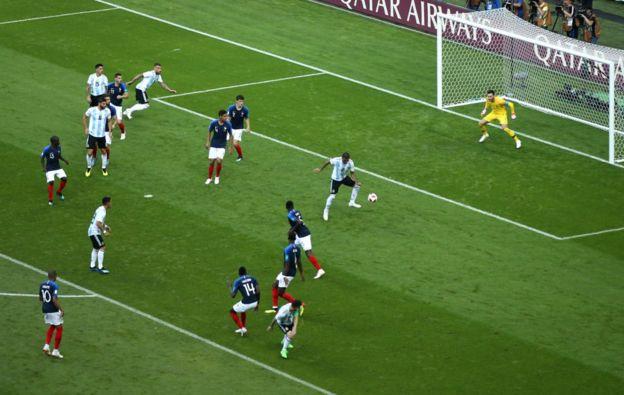 El gol de Mercado que puso a soñar a Argentina.
