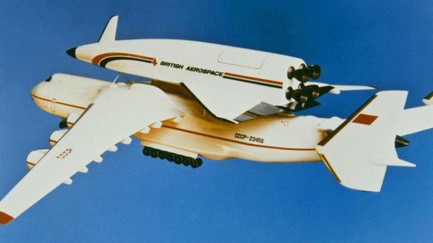 """نموذج مشروع """"هوتول"""" لتطوير طائرة تقطع المسافة بين إنجلترا واستراليا في 48 دقيقة، لكن المشروع باء بالفشل"""