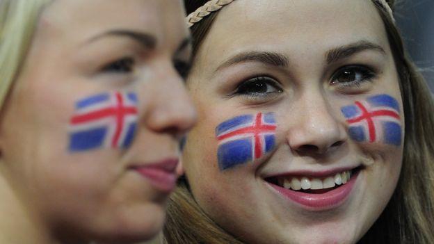 Jovens islandesas