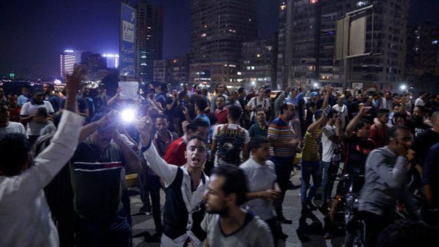 Kahire'de eylemler Cuma gecesi başladı