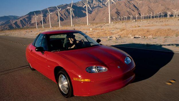 Un auto EV1