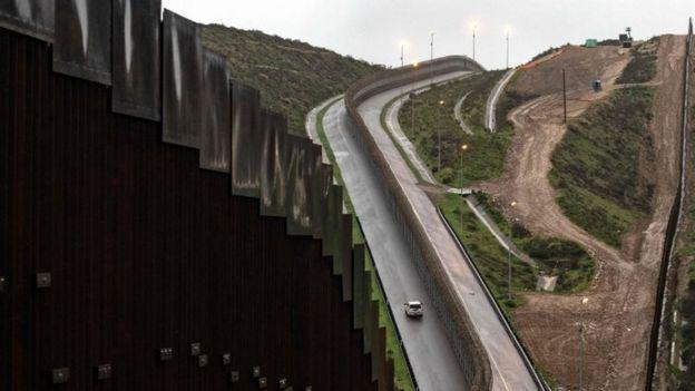 Valla fronteriza de EE.UU.