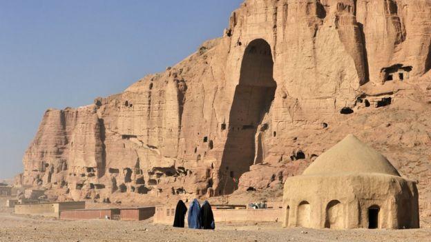 Mujeres afganas caminando