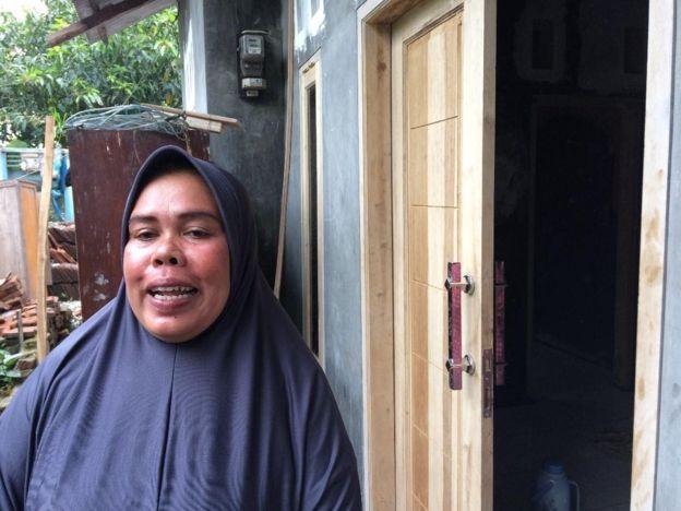 Marni sempat meminta Arianto mengurungkan niat mengejar Jokowi. Namun ia tak dapat membendung keinginan adiknya.