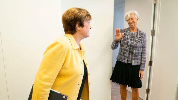 رئیس صندوق بینالمللی پول کریستالینا کریستالینا جیورجیوا، اقتصاددان ۶۶ ساله بلغار است که به تازگی به ریاست این سازمان رسیده است. پیش از او کریستین لاگارد، رئیس صندوق بینالمللی پول بود.