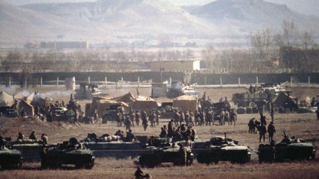 আফগানিস্তানে সোভিয়েত সৈন্যদের একটি দল