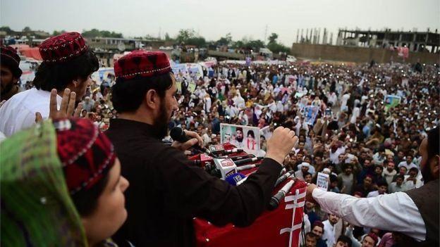 دهها هزار نفر در اجتماعات اعتراضی