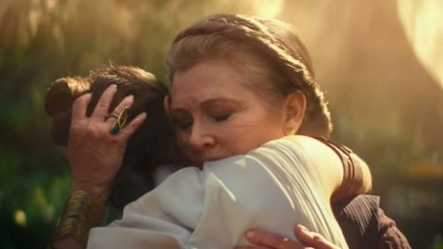 Putri Leia memeluk Rey
