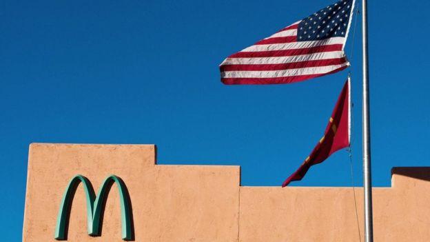 McDonald's com M turquesa
