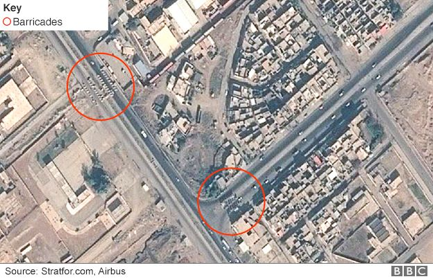 Satellite image showing barricades along Highway 1, Mosul