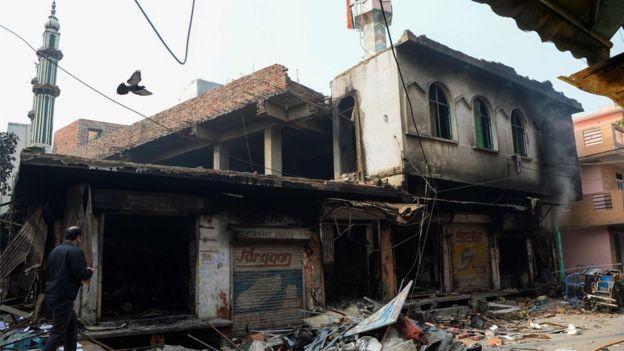صورة للمسجد المحترق في دلهي