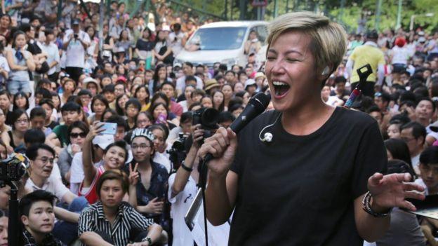 香港歌手何韻詩