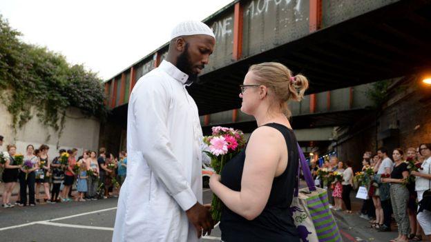 Image result for Mohammed Mahmoud, el imán que evitó que lincharan al atacante de la mezquita de Finsbury Park, en Londres