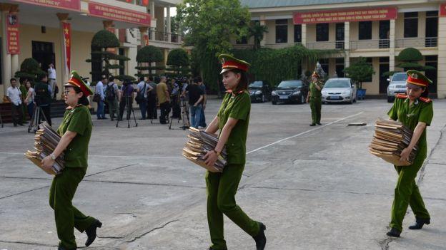 Các trại giam ở Việt Nam hiện vẫn do Bộ Công an quản lý dù đã có nhiều đề xuất chuyển cơ quan quản lý sang Bộ Tư pháp.