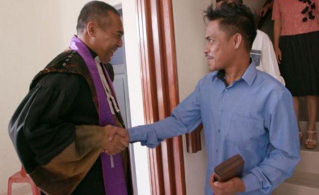Pendeta Jacky Manuputty dan Ronald Regang