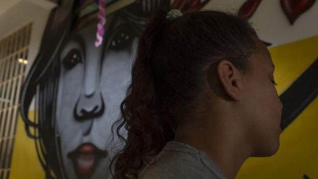 Uma das jovens internadas na Casa Chiquinha Gonzaga