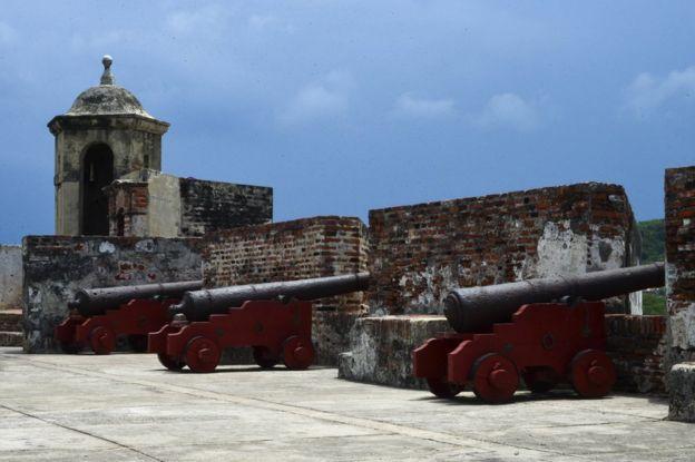Cañones en Cartagena, Colombia.