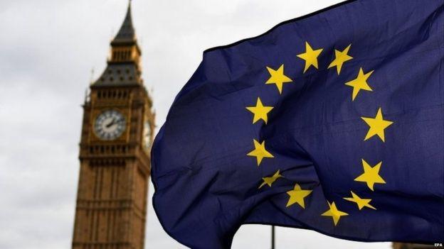 英國脫歐,加泰羅尼亞獨立公投,法國、奧地利等國領導人的年輕化,以及恐怖襲擊和難民問題造成的陰雲幾乎籠罩整個歐洲。