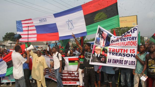 Biafran pro-Trump rally turns violent in Nigeria - BBC News