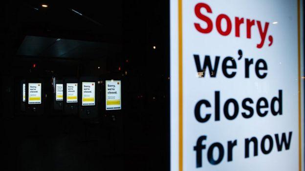 در همه رستورانها در بریتانیا به روی مشتریان بسته شده است
