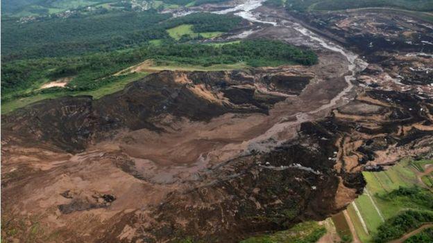 Visão aérea de região onde barragem se rompeu em Brumadinho (MG)