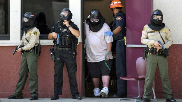 مانور آمادگی دانشآموزان دبیرستانی در لسآنجلس برای مقابله با تهدیدهای احتمالی