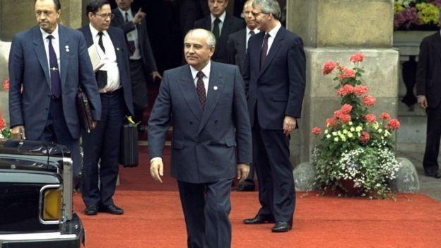 Михаил Горбачев на саммите G7 в Лондоне. Июль 1991 года