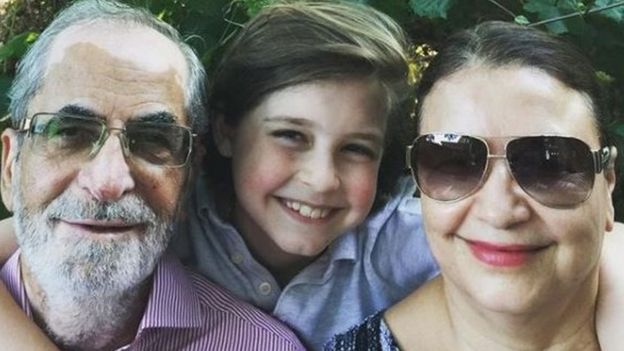 Laurent Simons com seus avós