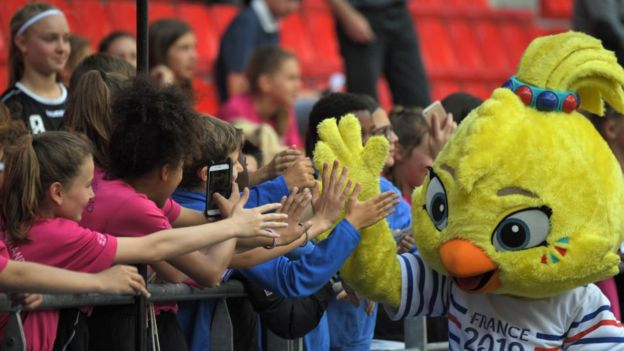 Women's World Cup mascot salute fans in France