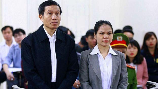 Blogger Nguyễn Hữu Vinh bị dưa ra xét xử tại Tòa án nhân dân TP Hà Nội tháng 3/2016.