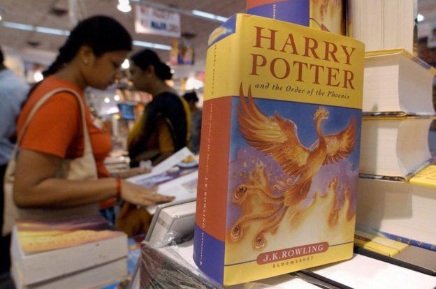 """Uno de los libros de la saga """"Harry Potter"""""""