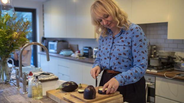 Laurel cozinhando