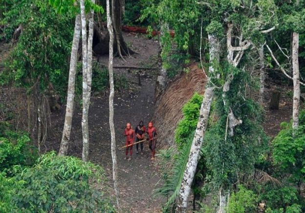 Índios isolados no Acre