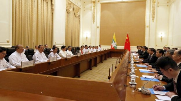 Myanmar State Counsellor Aung San Suu Kyi and Chinese President Xi Jinping attend a bilateral meeting