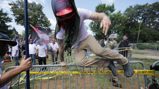 Manifestantes em Charlottesville
