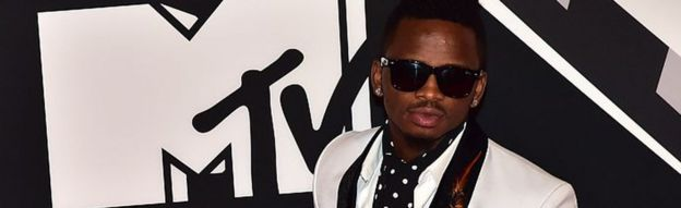 Tanzania's Diamond Platnumz banned from performing - BBC News